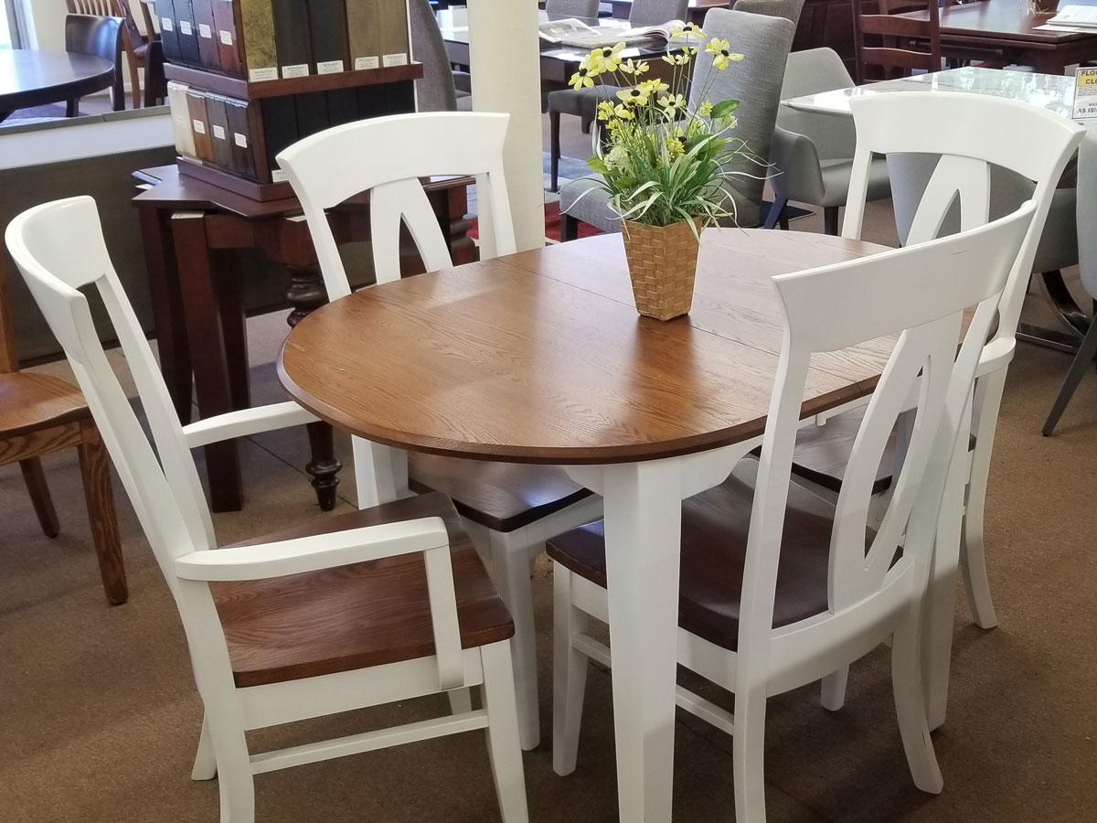 Amish Small Oval Dining Set